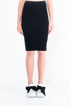 L15 Straight knee-length skirt