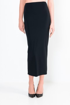 L16 Long, straight skirt